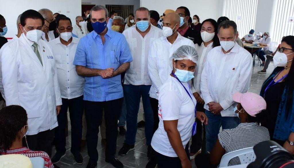 Autoridades inician vacunación de menores en María Trinidad Sánchez