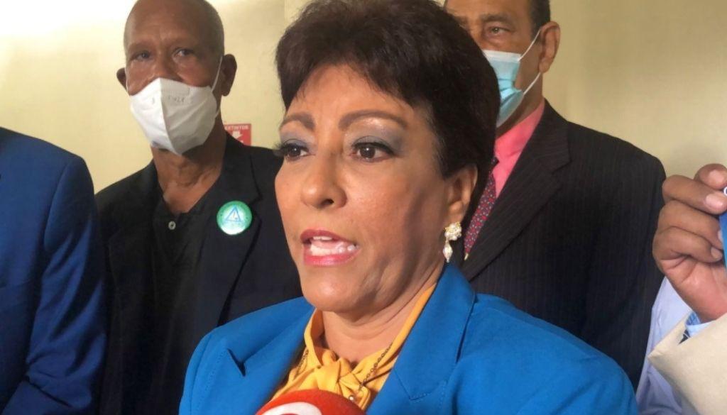 Doctora Amarilis Herrera presenta candidatura a presidencia CMD