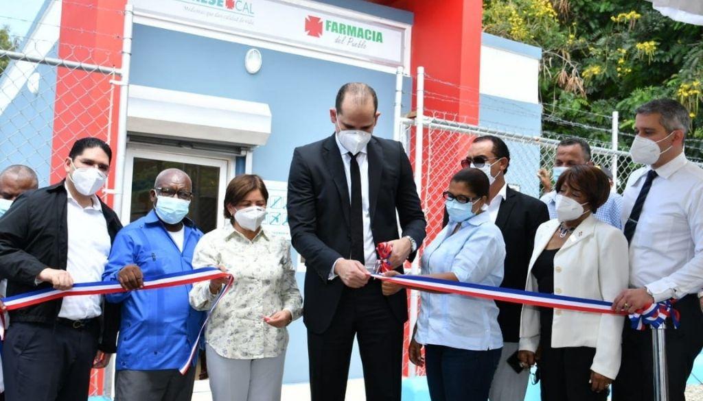 Inauguran Farmacias del Pueblo en Peravia