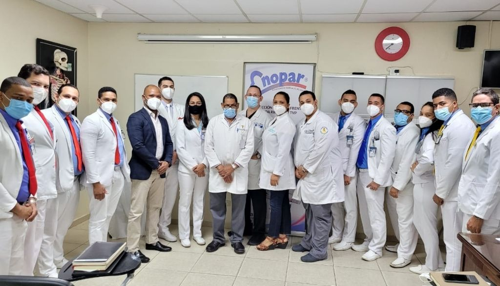Ascienden médicos residentes de Ortopedia y Traumatología