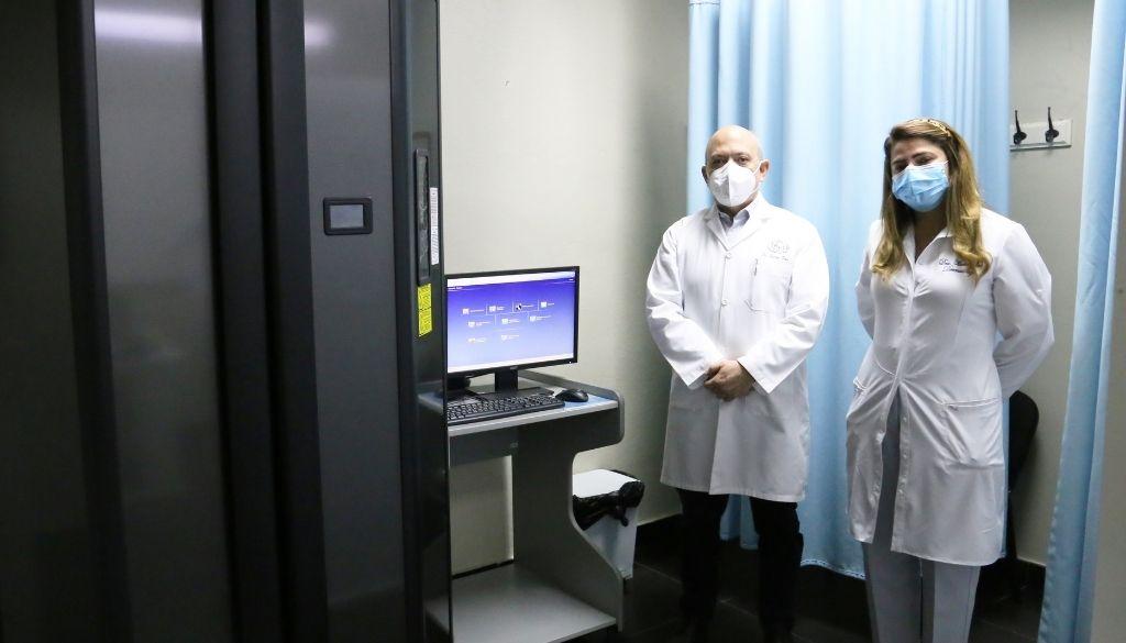 Dermatológico adquiere cabina de cuerpo completo