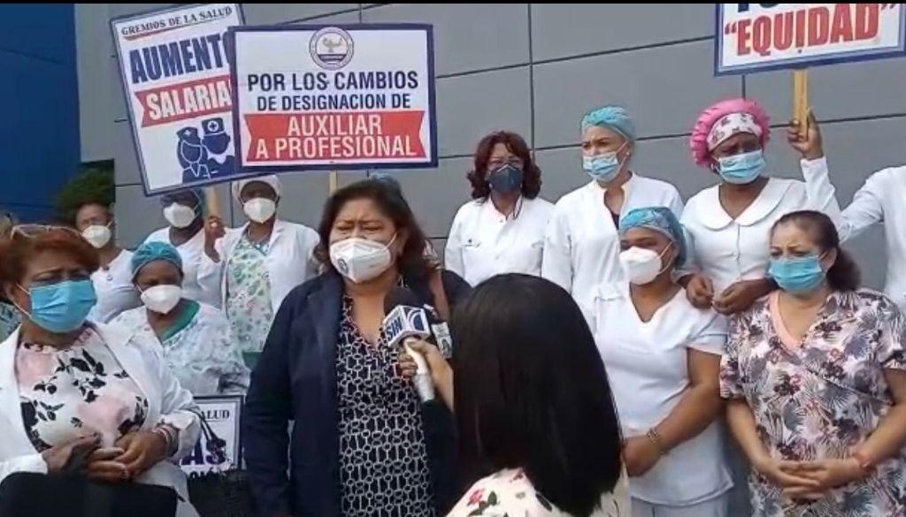 Enfermeras demandan presidente las escuche