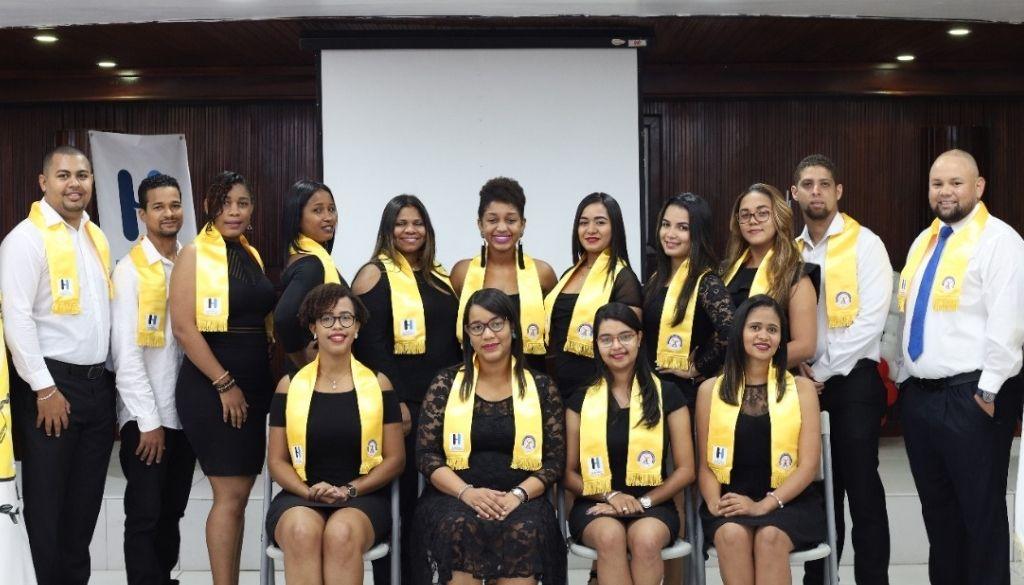 44 nuevos especialistas entrega Hospital Moscoso Puello al país