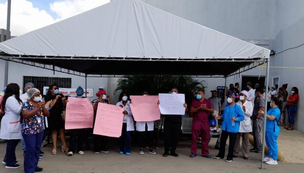 Médicos demandan nivelación salarial