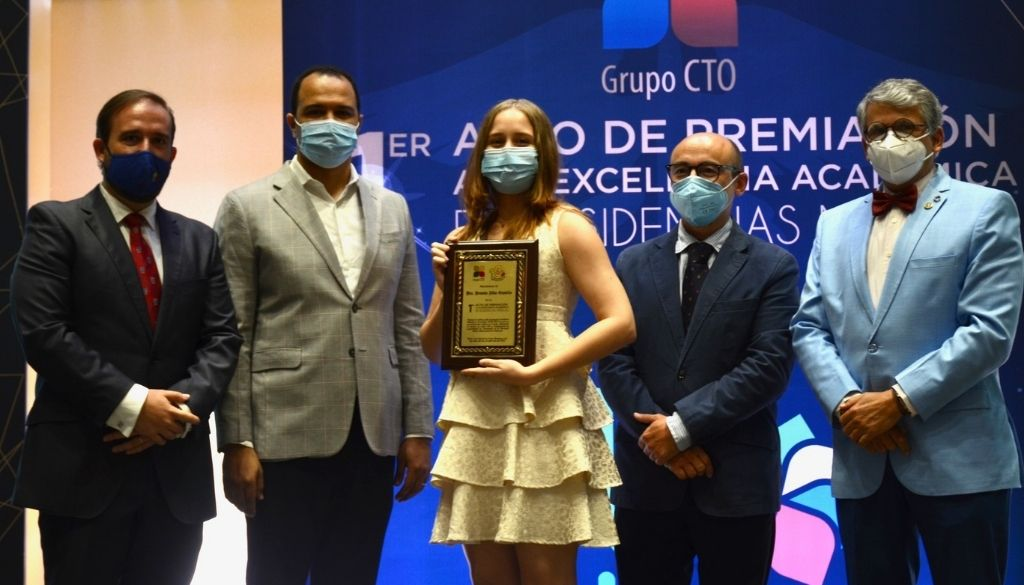 Realizan primera premiación Excelencia Académica en Residencias Médicas