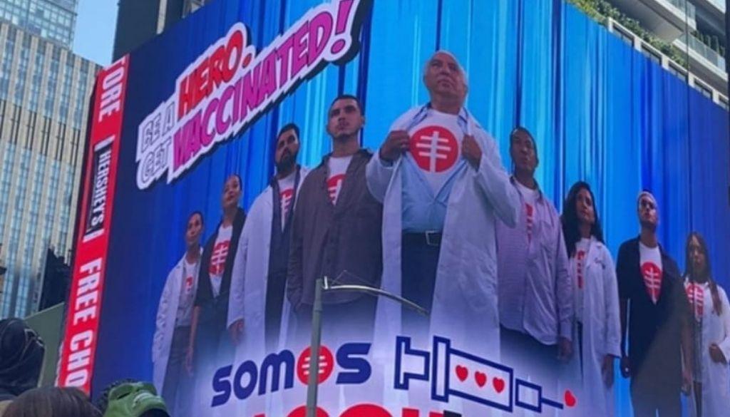 Médico dominicano entra al escuadrón de Avengers