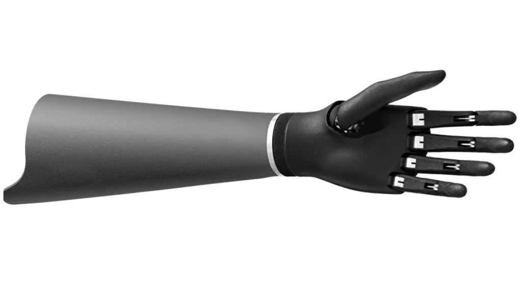 Diseñan prótesis de mano que mejora con el tiempo