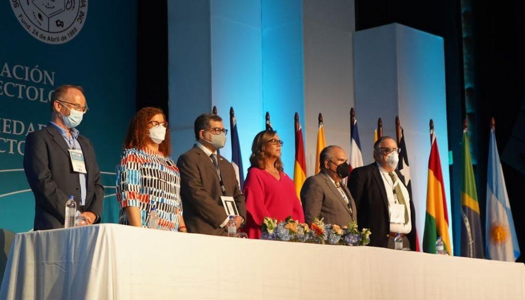 Infectólogos dan inicio a su congreso