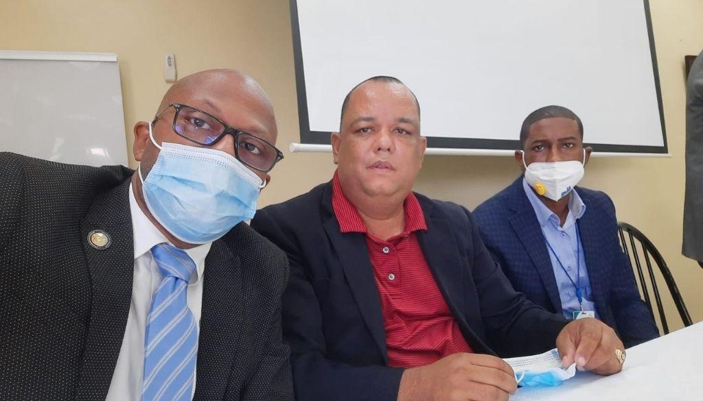 Buscan resolver impase con médicos en hospital Ney Arias