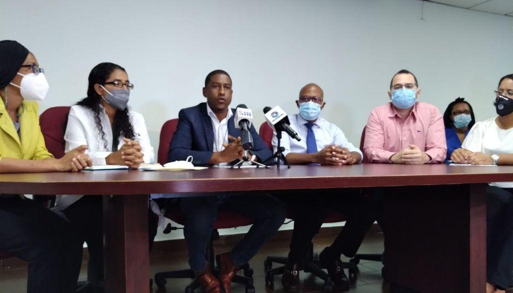 Médicos suspenderán servicios por precariedades en centro de salud
