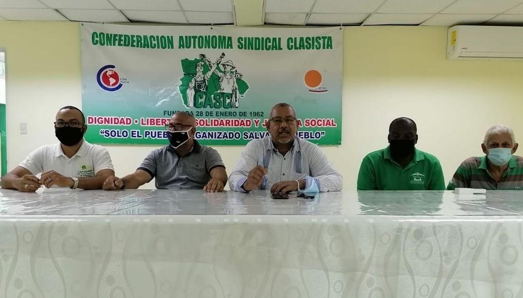 Trabajadores arremeten contra médicos por llamado a huelga
