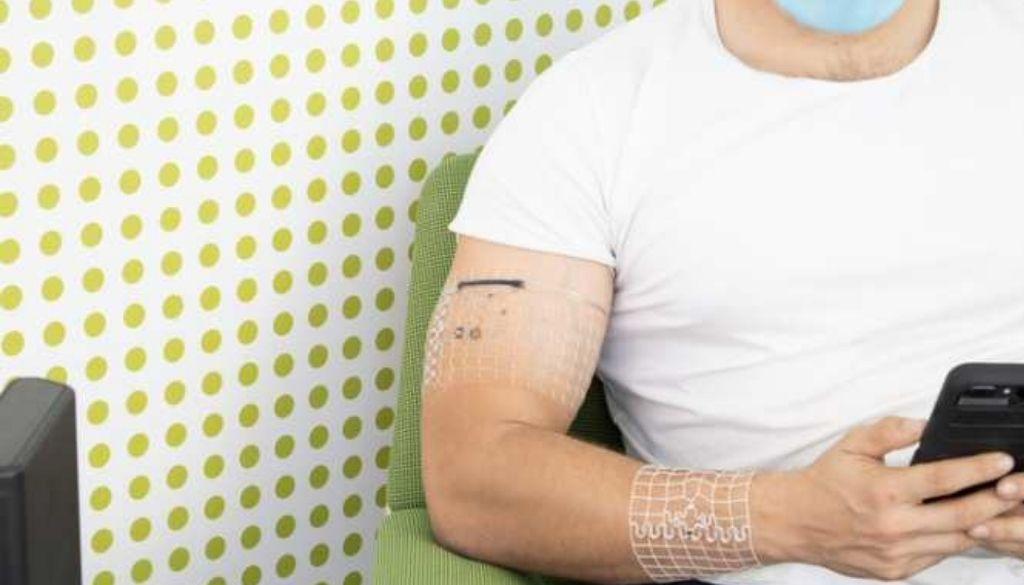 Dispositivo biosimbiótico capaz de funcionar sin recargas sobre la piel del usuario