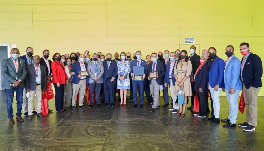 Ortopedas dominicanos participan en congreso internacional