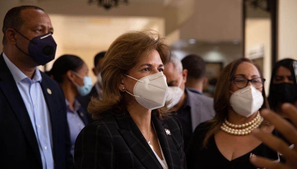 Revelan 340 mil personas no se han vacunado en Santiago
